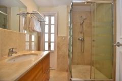 Isabel-11-shower-room