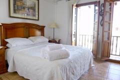 sil-11-bedroom