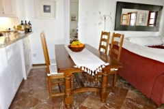 sil-11-dining-room
