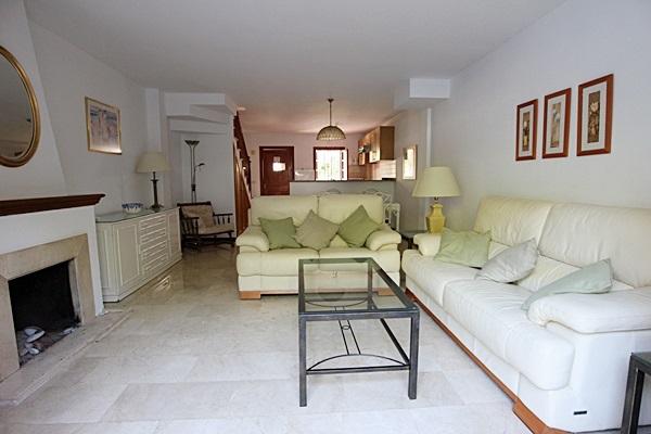 19 Calle de Miguel, lounge