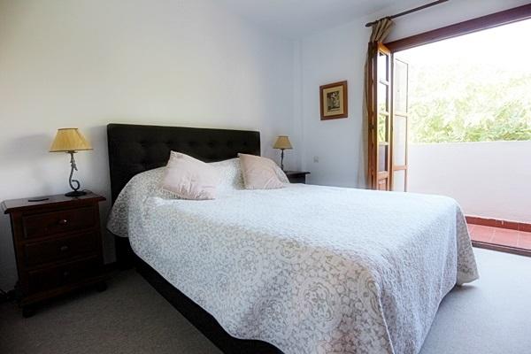 19 Calle de Miguel, master bedroom