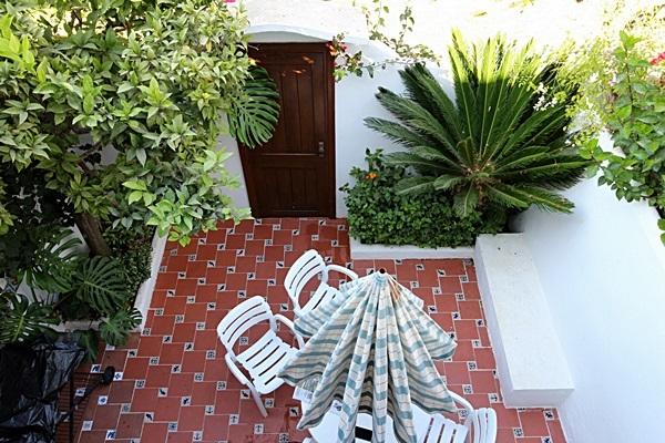 19 Calle de Miguel, patio