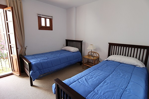 19 Calle de Miguel twin bedroom