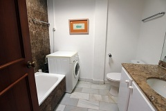 19-Calle-de-Miguel-bathroom