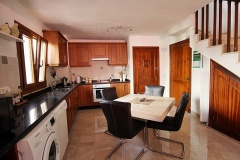 Alberto-22-kitchen-2