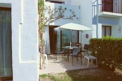 1_Jorge-32-dining-patio