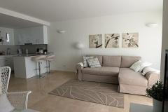Jorge-32-lounge