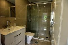 Jorge-32-shower-room