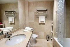1_Elena-34-bathroom