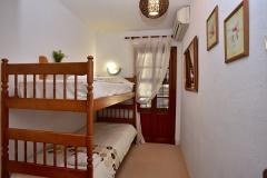 Marta-5-bunk-room