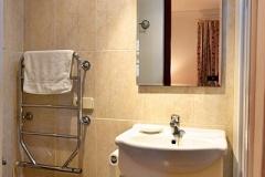 Alberto-36-en-suite-shower-room